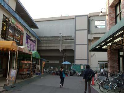 原木 中山 メトロ東西線原木中山駅: 地下鉄が通る街